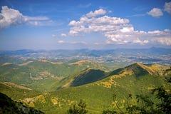 Schöne Landschaften der Berge eingelassen dem Apennines, Italien lizenzfreies stockbild