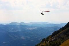 Schöne Landschaften von Berge eingelassenen lizenzfreies stockfoto