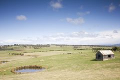 Schöne Landschafts-Bretterbude stockbild