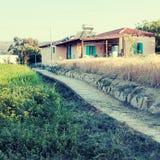 Schöne Landschaftslandschaft mit altem Haus, Kreta, Griechenland Lizenzfreie Stockfotografie