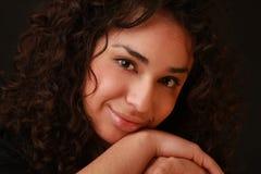 Schöne Latinofrau lizenzfreies stockfoto