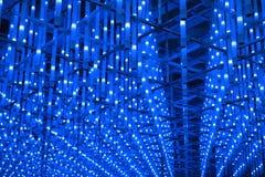 Schöne LED-Beleuchtungen über Gebäude lizenzfreies stockfoto