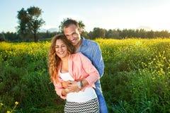 Schöne liebevolle romantische Paare Lizenzfreies Stockfoto