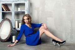 Schöne luxuriöse Frau Stockfotografie