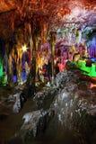 Schöne mehrschichtige Karsthöhle Stockfotos