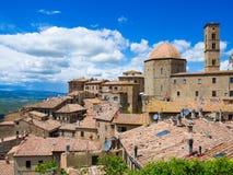 Schöne mittelalterliche Stadt Volterra in Toskana, Italien Lizenzfreie Stockfotografie