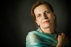 Schöne mittlere gealterte Frau Lizenzfreies Stockfoto