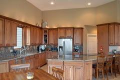 Schöne moderne Küche Stockbild