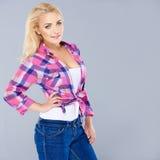 Schöne modische busty blonde Frau Lizenzfreies Stockfoto