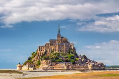 Schöne Mont Saint Michel-Kathedrale auf der Insel, Normandie, N lizenzfreies stockfoto