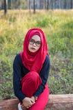Schöne moslemische Frau des Modeporträts Stockfoto