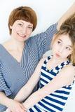Schöne Mutter und Tochter Lizenzfreie Stockbilder