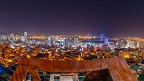 Schöne Nachtansicht bei dem Standpunkt mit 168 Treppen in Busan, Südkorea stockbild