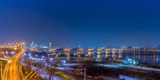 Schöne Nachtstadt-Ansicht Koreas Seoul stockbilder
