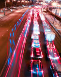 Schöne Nachtstadt in der Bewegung Lizenzfreie Stockfotografie