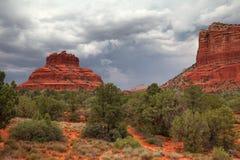 Schöne Naturlandschaft mit roten Felsen nahe Sedona, Arizona, USA Stockfotografie