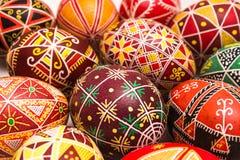 Schöne Ostereier mit Muster für Feiertag Lizenzfreie Stockfotografie
