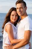 Schöne Paare auf dem Strand Lizenzfreies Stockfoto