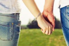 Schöne Paare auf einem Datum Lizenzfreies Stockbild