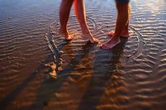 Schöne Paare in der Liebe im Herzen Stockfotografie
