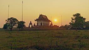 Schöne Pagode bei Sonnenuntergang, Sonnenuntergang stock footage