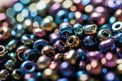Schöne Perlen mit Abteilung des Feldes Stockbild