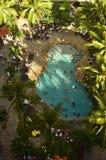 Schöne Pool-Ansicht von der Luft lizenzfreies stockfoto