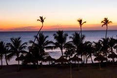 Schöne Postkarte des karibischen Sonnenuntergangs lizenzfreies stockbild