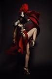 Schöne römische Frau in der Rüstung und im Sturzhelm Stockfotos