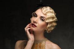 Schöne Retro- Frau Stockfotos