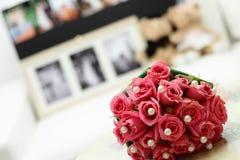 Schöne rosafarbene Rosen Stockbild