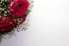 Schöne Rosen bildeten sich in einen schönen Blumenstrauß Stockbild