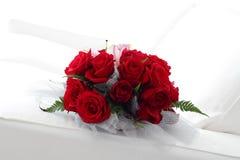Schöne rote Rosen Lizenzfreie Stockfotos