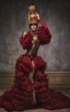 Schöne rote Schachkönigin-Bildfrau lizenzfreie stockfotografie