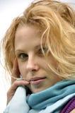 Schöne russische Frau mit dem blonden Haar Lizenzfreie Stockfotografie