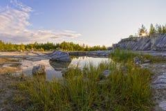 Schöne russische Landschaft im Sommer Karelien Stockbild