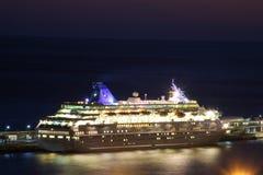 Schöne Schiffe und Kreuzfahrtschiffe lizenzfreie stockbilder