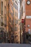 Schöne schmale Straße in Genua, Italien Stockfoto