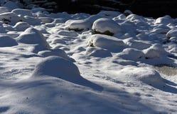 Schöne schneebedeckte Landschaft Stockfotos