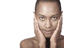 Schöne schwarze Frau stockbild
