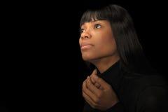 Schöne schwarze Frau lizenzfreie stockfotografie