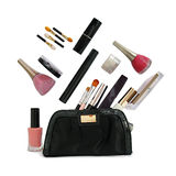 Schöne schwarze Kosmetiktasche und Kosmetik Stockbilder