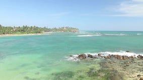 Schöne Seeansicht vom Strand in Sri Lanka stock video