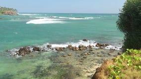 Schöne Seeansicht vom Strand in Sri Lanka stock footage