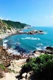 Schöne Seeküste stockbild