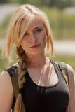 Schöne sexy blonde Frau mit Locke Lizenzfreies Stockbild