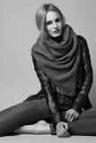 Schöne sexy vorbildliche Frau in der zufälligen Kleidung Katalogisieren Sammlung Lizenzfreie Stockfotografie
