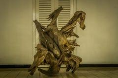 Schöne Skulptur des Pferds gemacht vom Holz Lizenzfreies Stockfoto