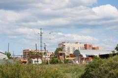 Schöne Sommer Municipallandschaft lizenzfreies stockfoto