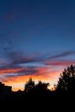 Schöne Sonnenuntergang- und Baumschattenbilder Lizenzfreie Stockfotos